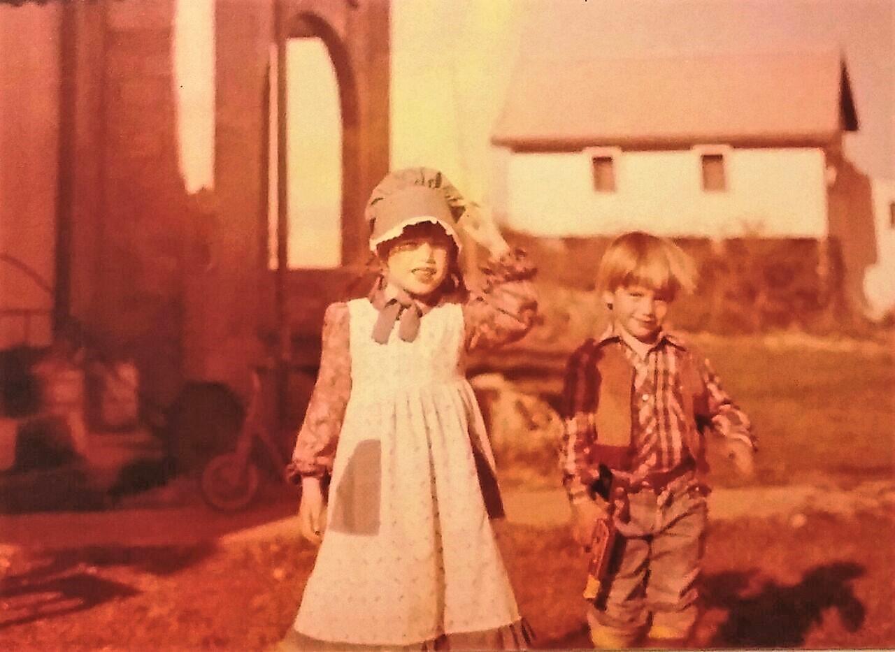 נגה שנער-שויער חמש תמונות וסיפור