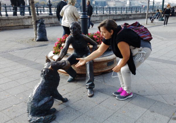 כְּלֵי עֲבוֹדָה #25 – ריאיון אורח עם חיה גולן – מתמונות לסיפורים