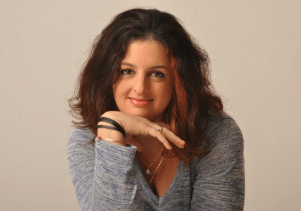 חמש תמונות וסיפור – שלי רוזן-פורפר